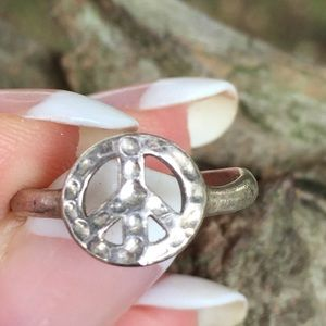 Jewelry - Sterling silver hammered ring peace sign size 5.5